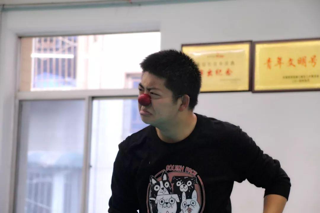 stage-clowns-matapeste-chine-xi-an-640-31.jpg